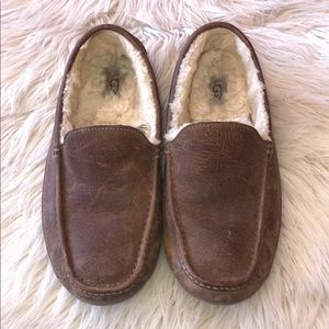 """UGG slippers size 9"""""""